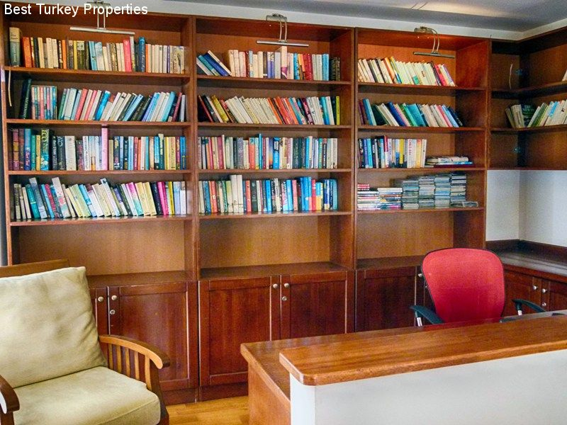 LibraryStudy overlooking the main Lounge