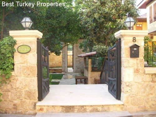 BEST TURKEY PROPERTIES | VILLA IN DER ALTSTADT VON ANTALYA